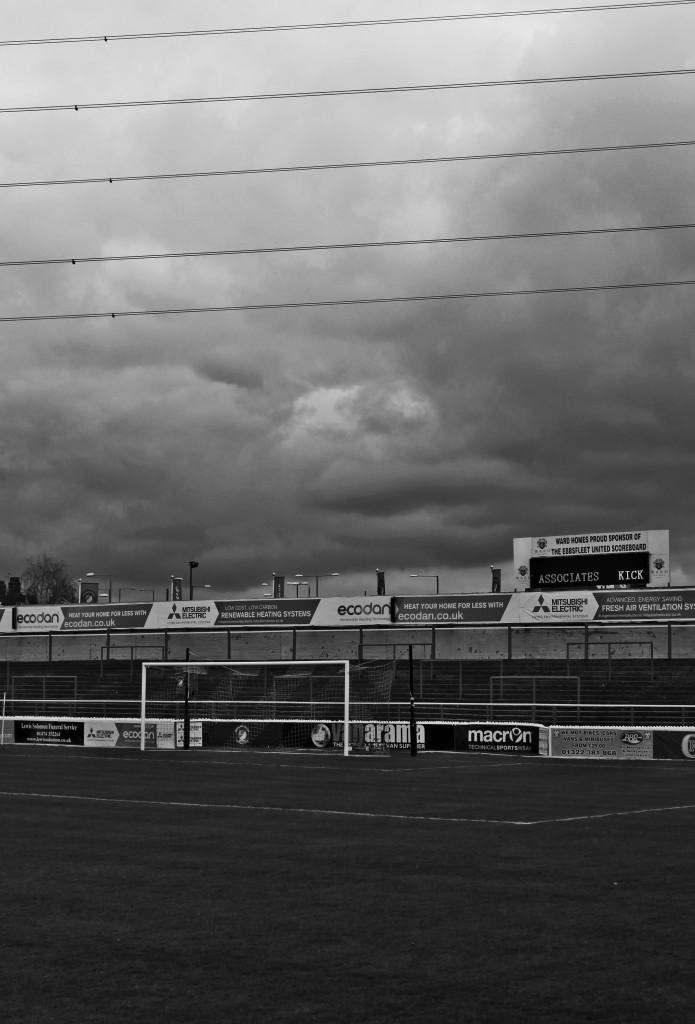 2014-14 Ebbsfleet away 0 (8)