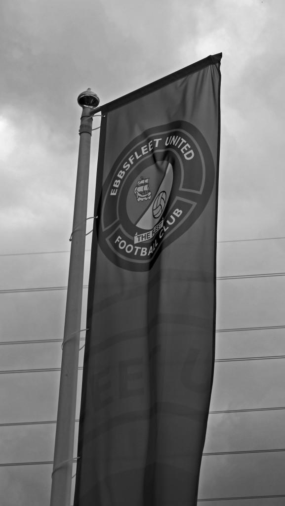 2014-14 Ebbsfleet away 0 (9)